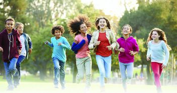 Kids running in field - HPV